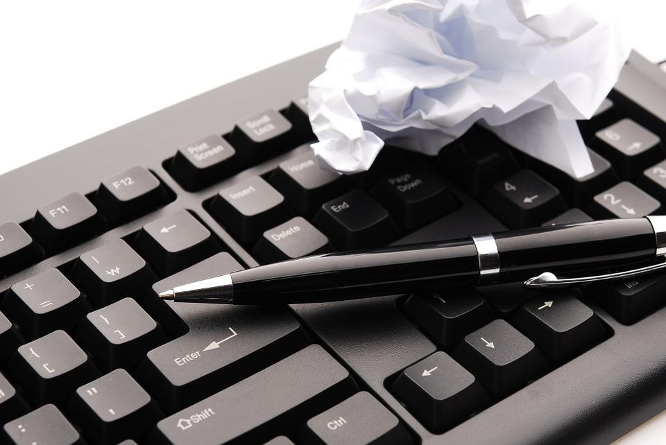 文章が苦手な人でもブログでお金を稼げるの?